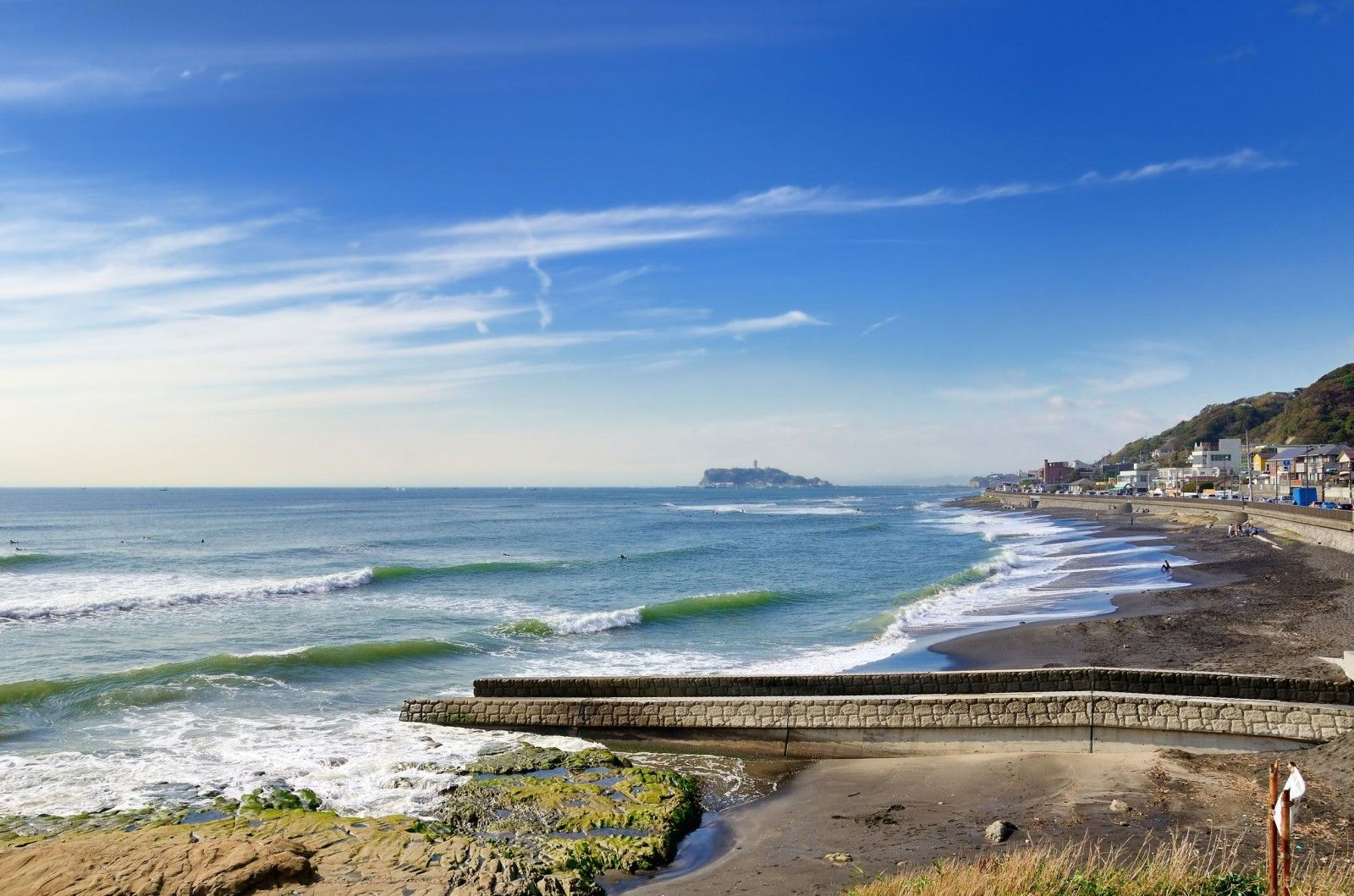 Kamakura Beach where Etsuko meets Donshi.