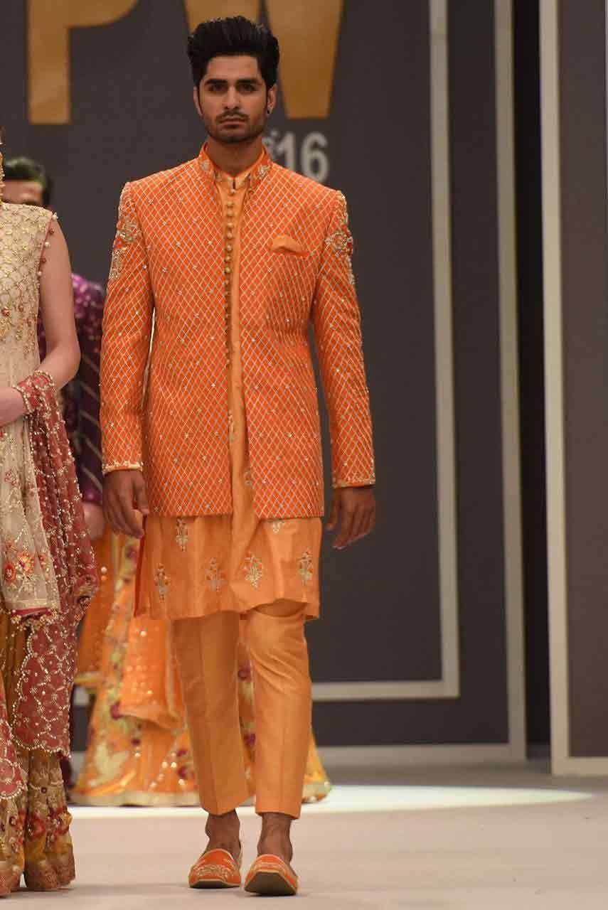 Mehndi design 2017 for mens - New Stylish Peach Pakistani Groom Wedding Sherwani Designs 2017 For Mehndi With Jacket Style