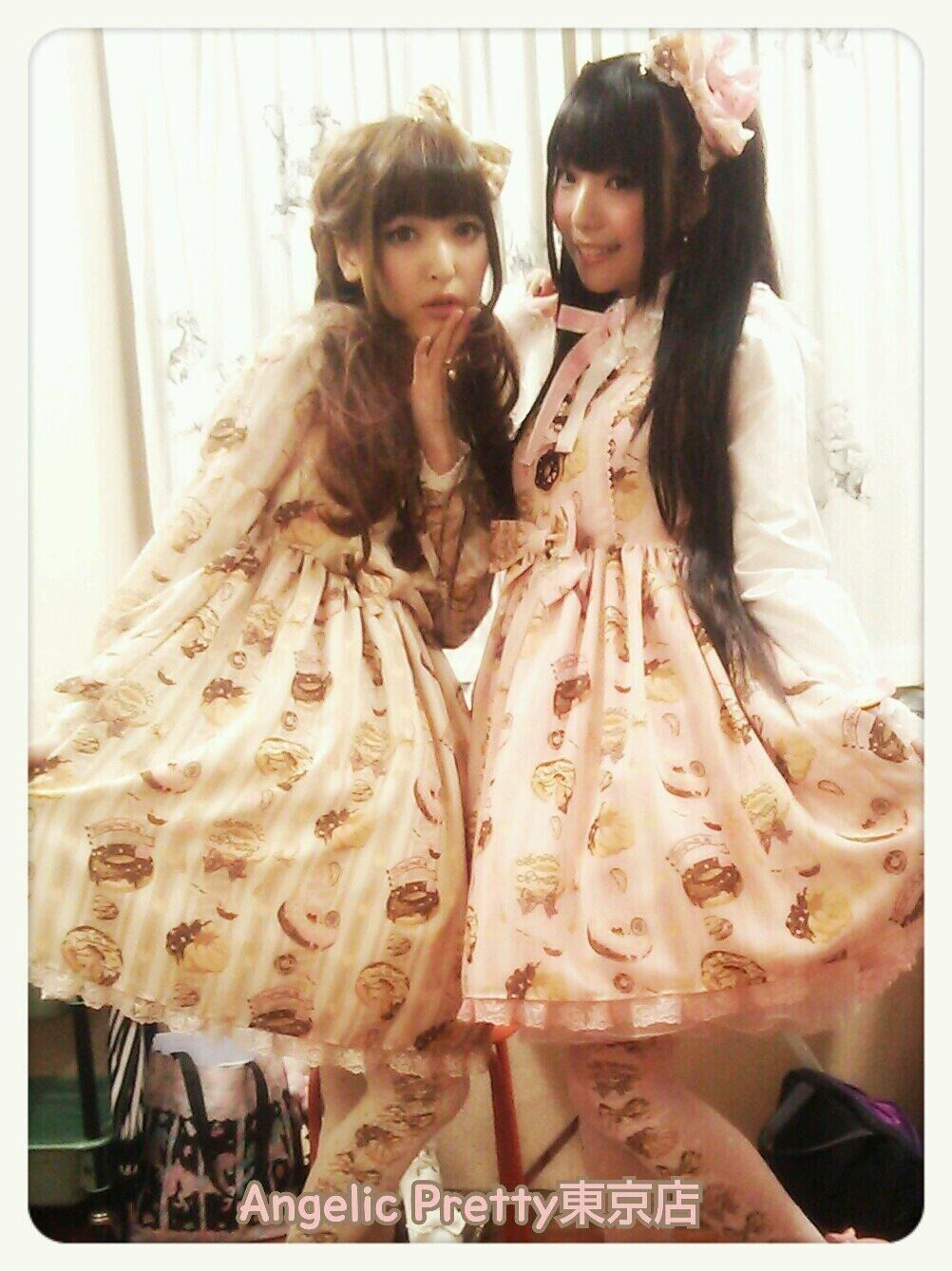 I was so gonna buy this Melty Cream Donuts  jsk in brown but i realized i didnt want to spend so much money on one dress....even if it had my favorite pastry in the world on it! >.