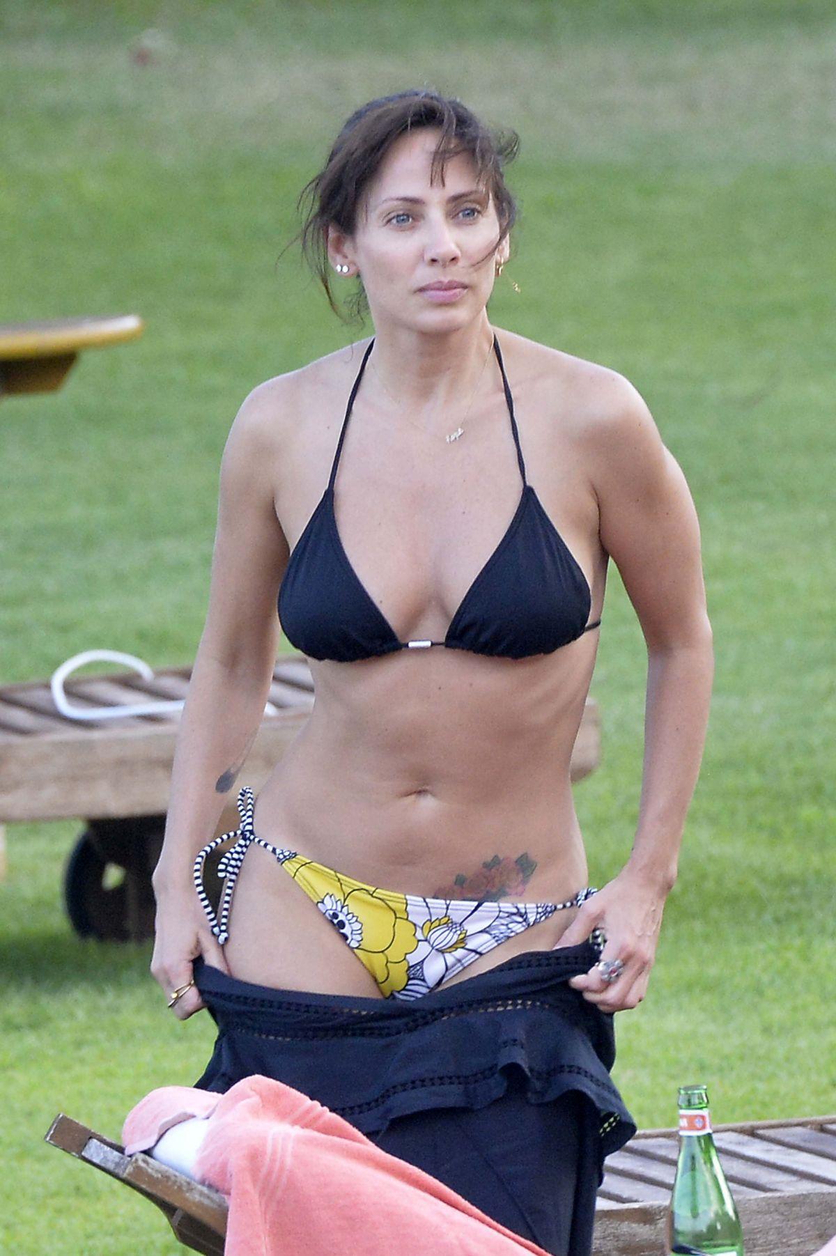 Celebrity Natalie Imbruglia nude (95 photo), Is a cute