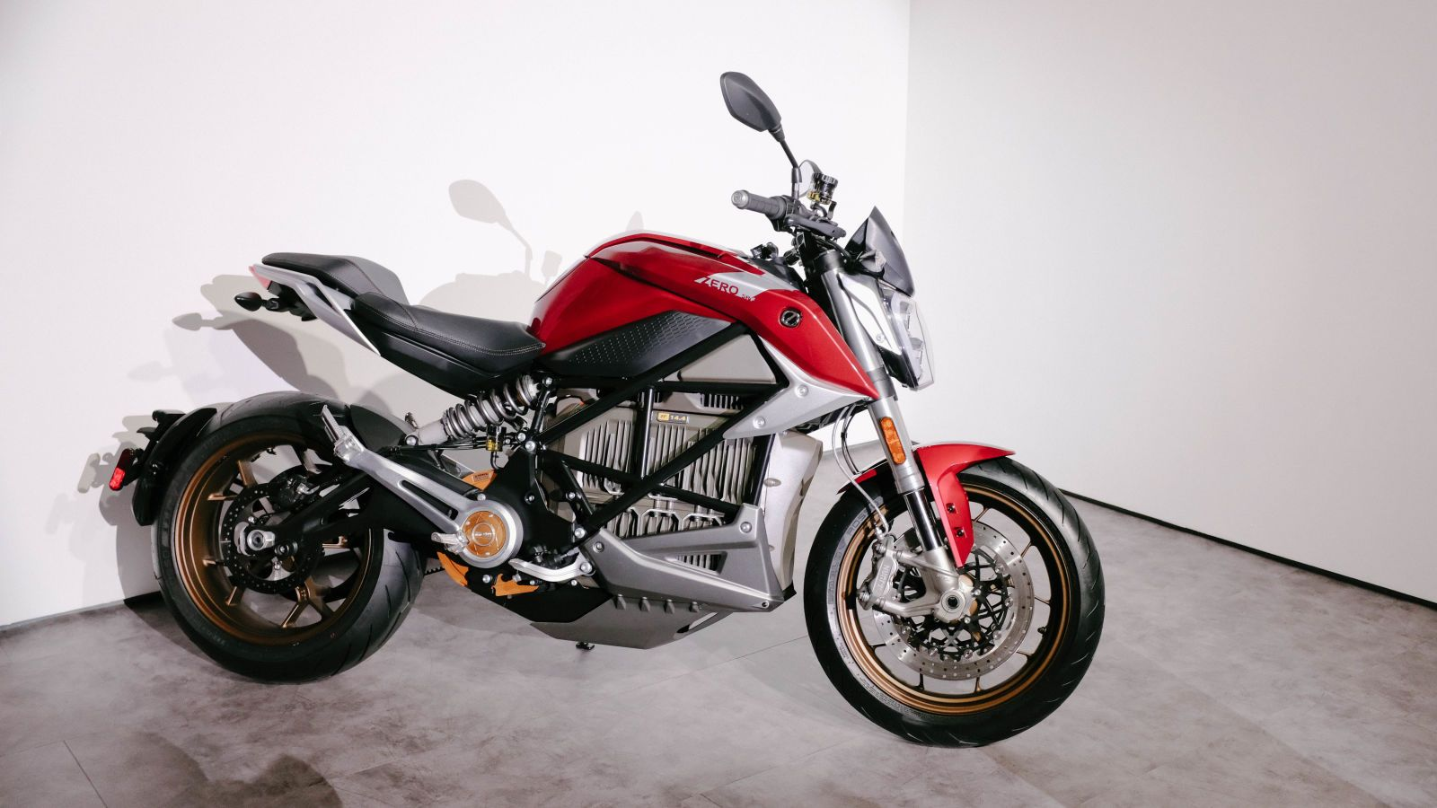 The Zero Sr F New Electric Motorcycle Can Charge 150 Miles In An Hour