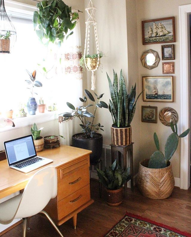 Home Office Design Tips To Stay Healthy: Stuck At My Desk All Day Photo Editing But I Can't