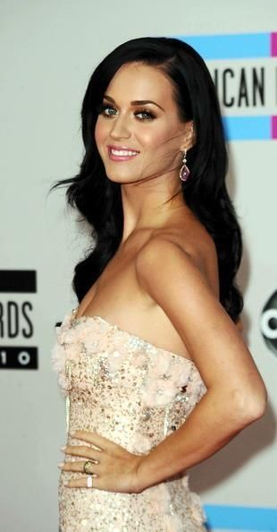 Katy Perry at American music awards 2010