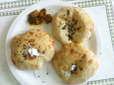 How to make stuffed kulcha at home from scratch with kulcha dough right from making the kulcha dough to stuffing the paneer into the kulcha and to finally baking the kulcha a delightfully yummy stuffed kulcha recipe forumfinder Choice Image