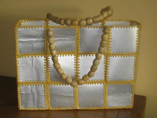 sac fait avec des briques de lait ou de jus de fruit maison pinterest brique de lait. Black Bedroom Furniture Sets. Home Design Ideas