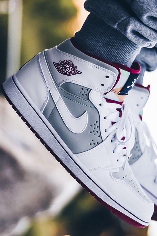 Nike Air Jordan I 'Hare' (Görüntüler ile) | Ayakkabılar
