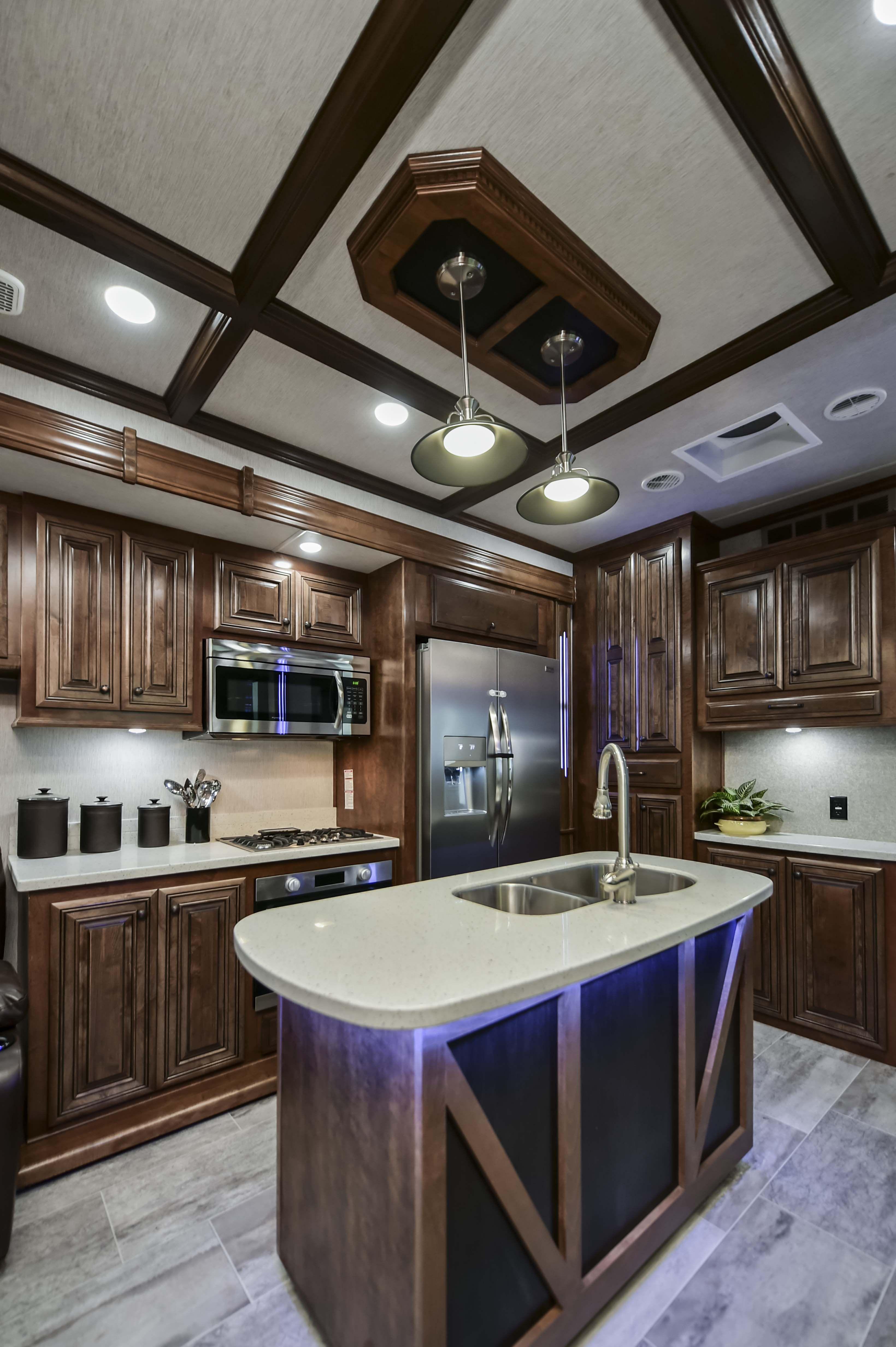 Kitchen In The 2018 Bighorn 3500se Luxury 5th Wheel Heartlandrvs