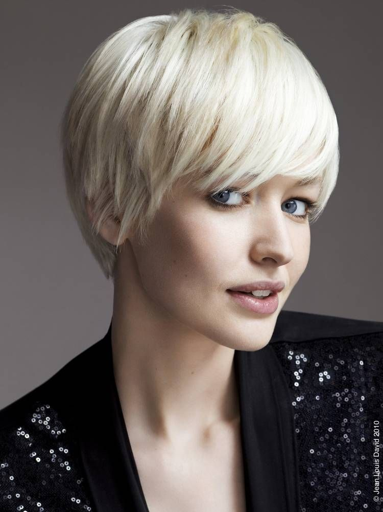 Bowl Cut Haircut Women Hair Color Ideas And Styles For 2018