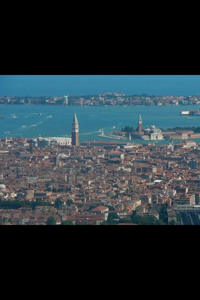 #Venice Capitale della BELLEZZA, della CULTURA, dell'ARTE... Buongiorno TWITTERWORLD #DayAfterART #Venezia