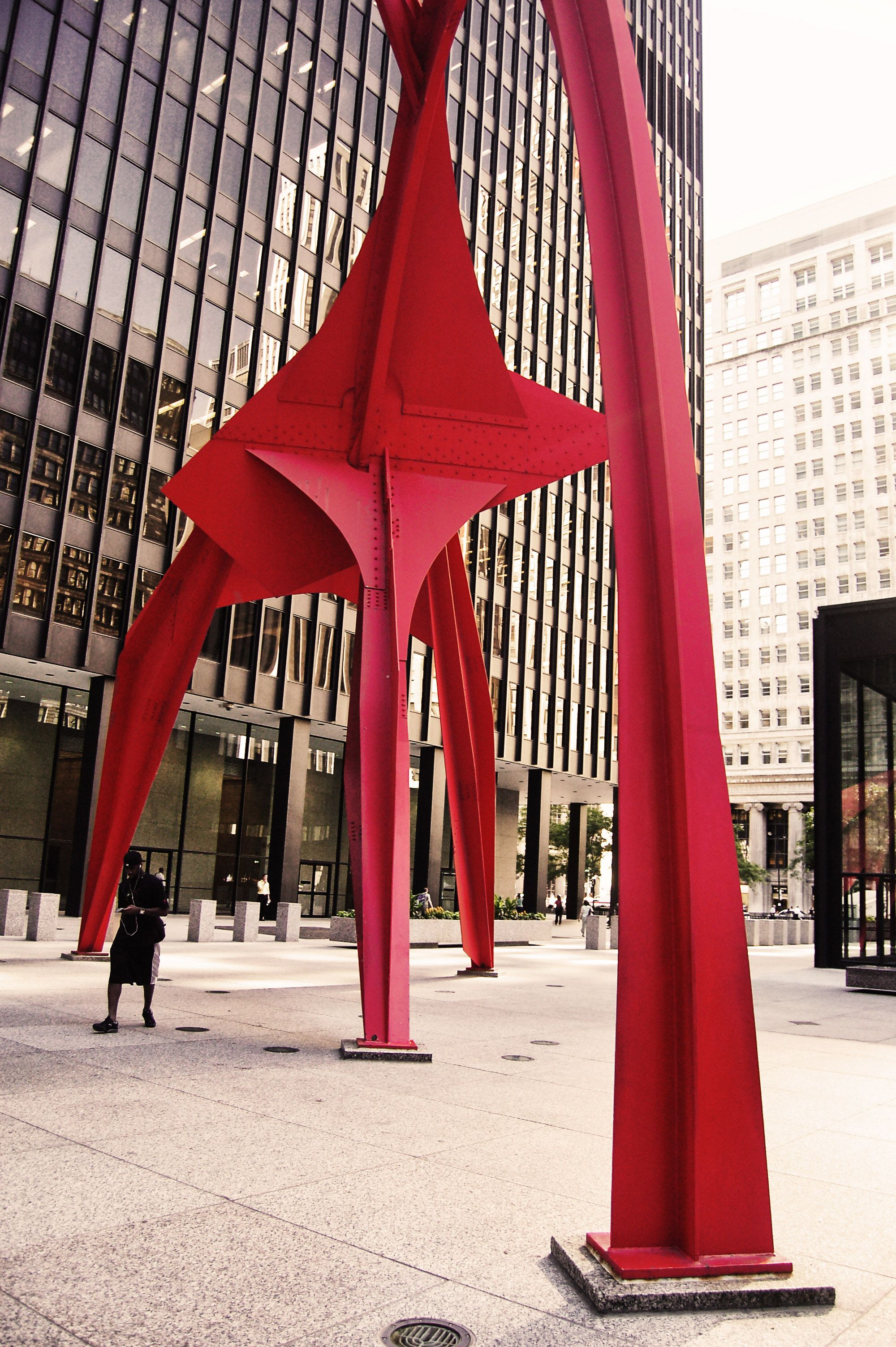 alexander calder s flamingo in chicago s federal plaza alexander calder s flamingo in chicago s federal plaza danielshippey com