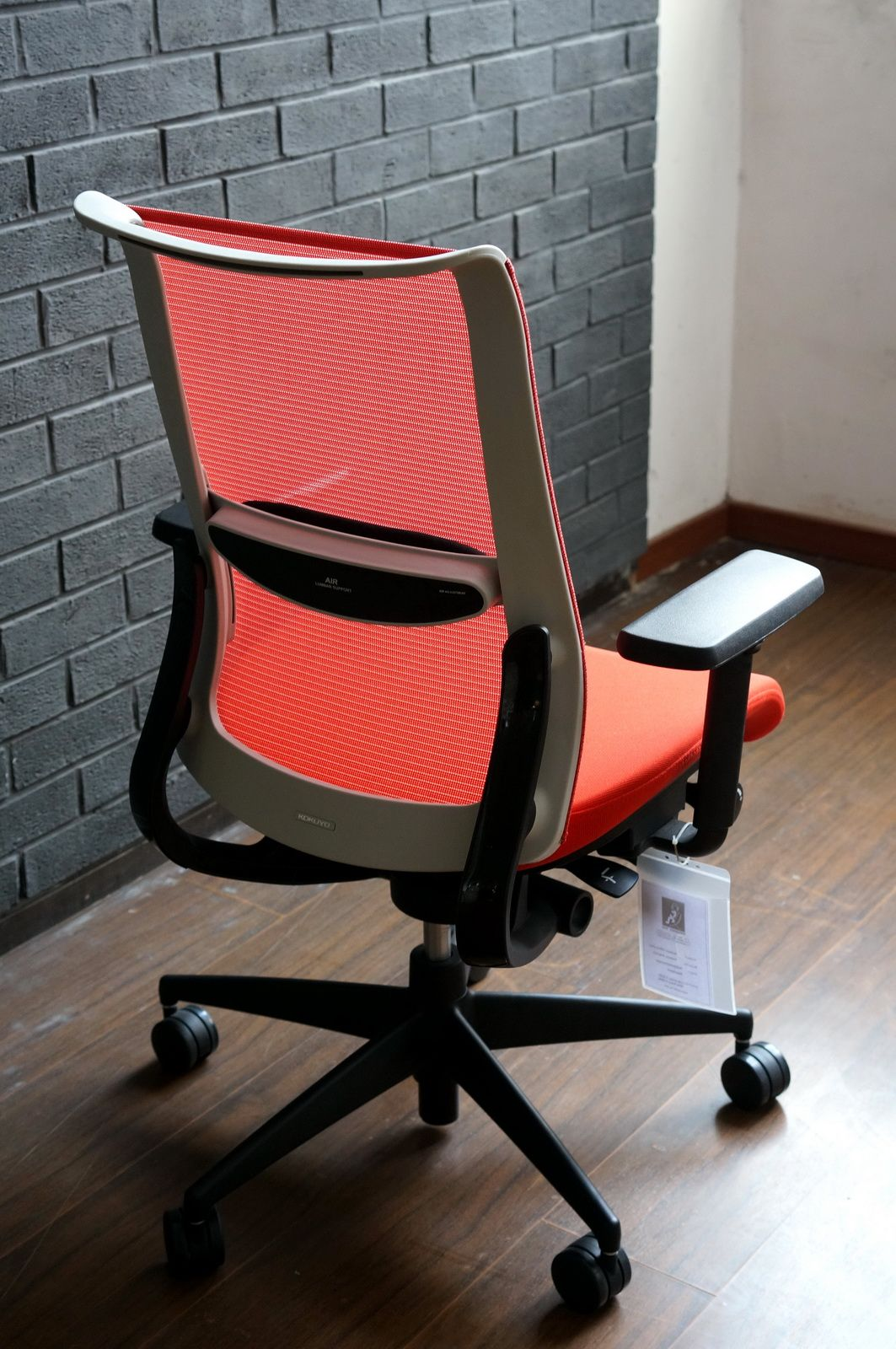 Kokuyo airgrace work chair with air cushioned lumbar support and 3d movement armrest http