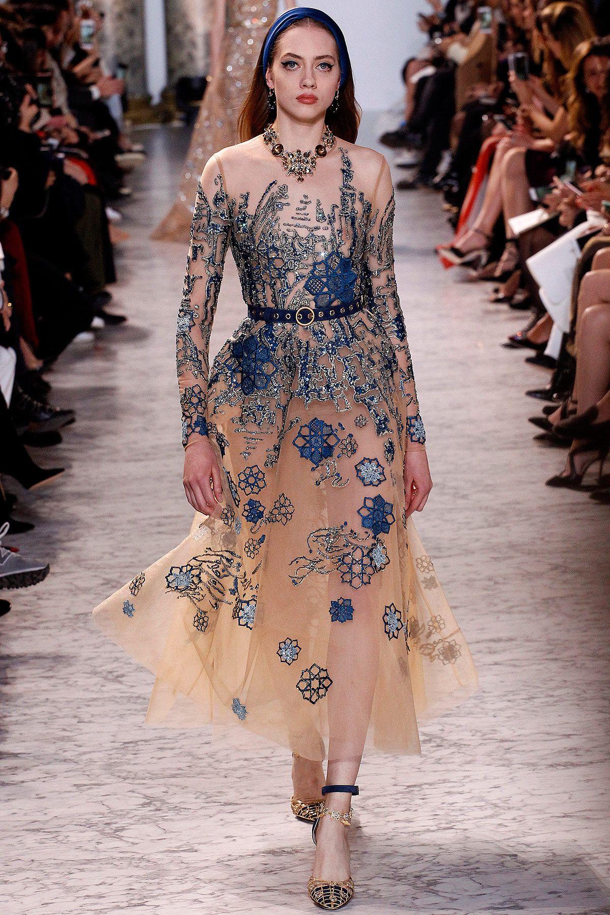 Elie Saab Haute Couture - Pasarela   Galería de fotos 9 de 59   VOGUE 1f21ad85786