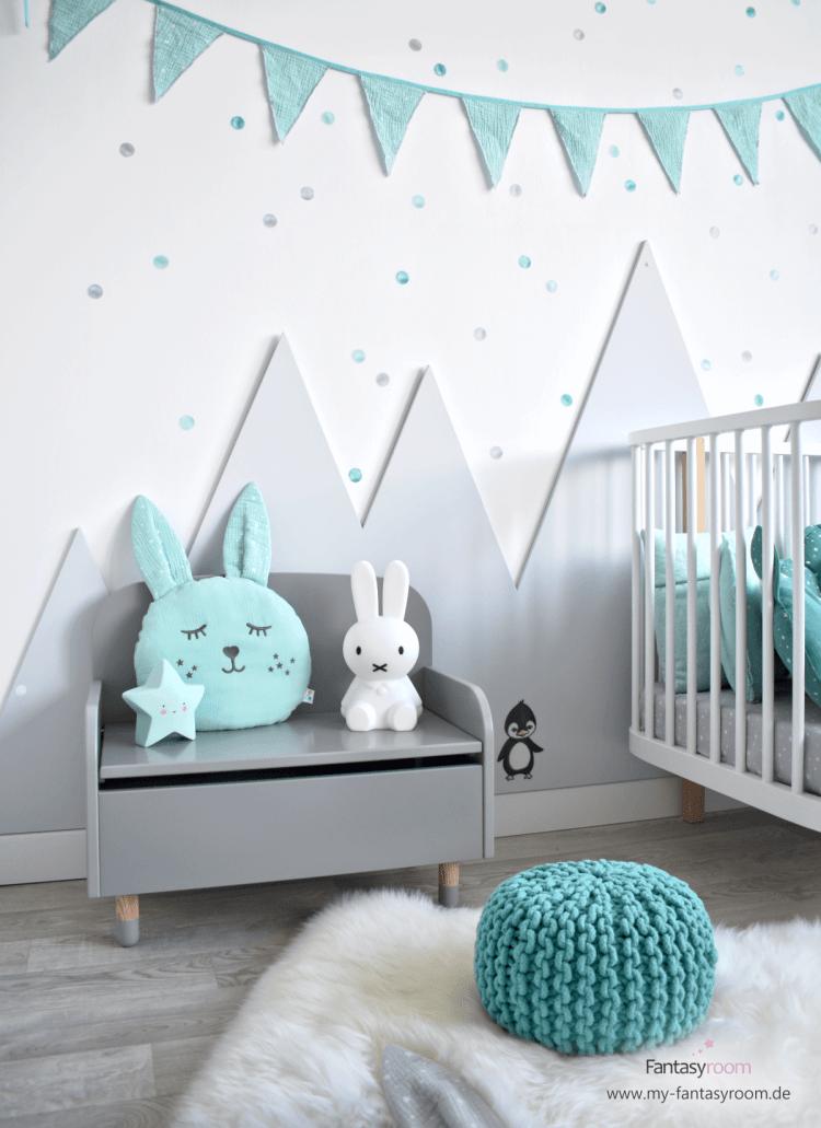 Wandgestaltung im Kinderzimmer Berge aus Holz selbst