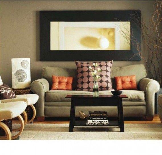 Soggiorno classico - Come abbinare divano e poltrona dagli stile diversi.