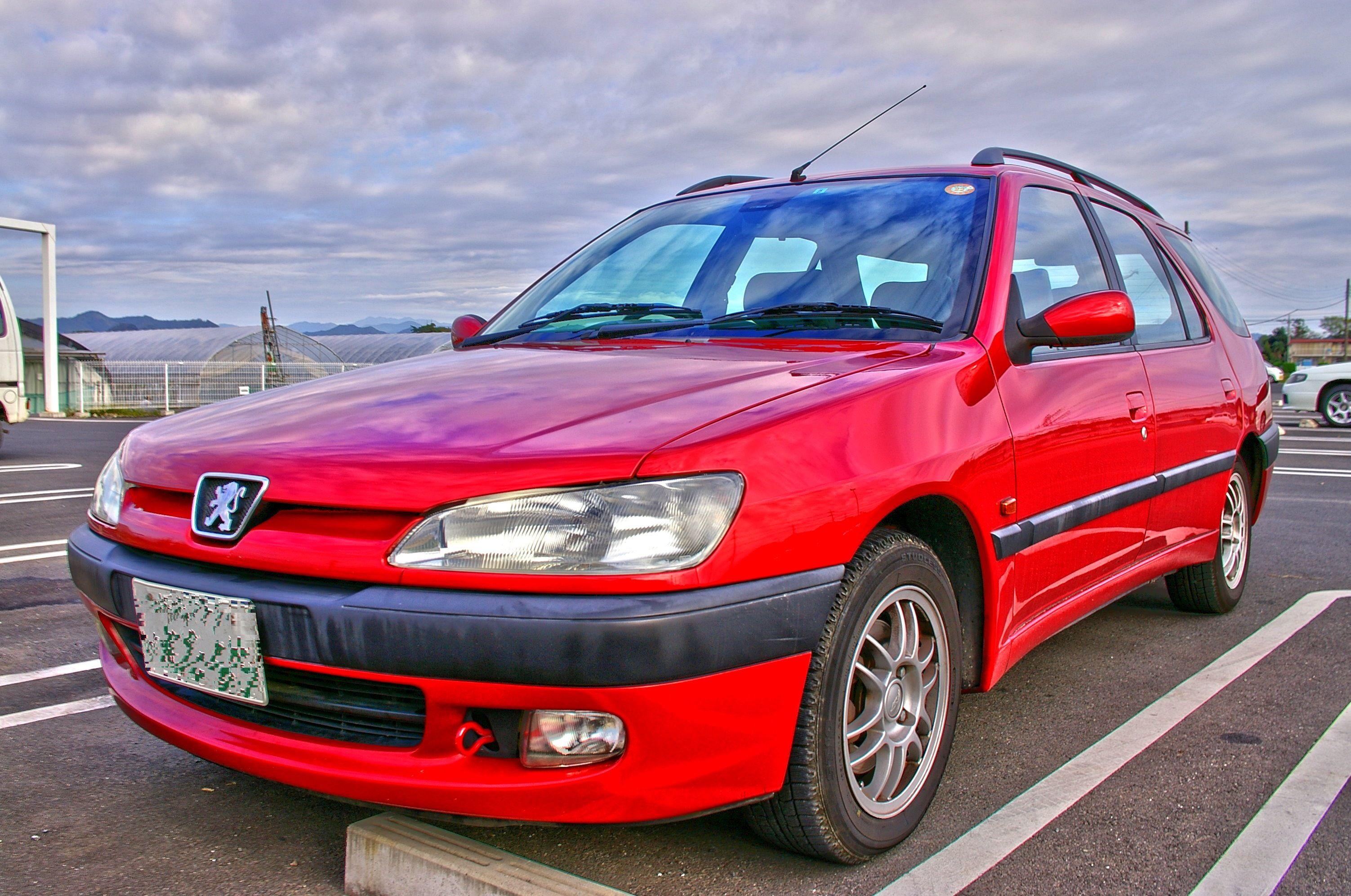 Peugeot 306 break http://nisshingeppo.files.wordpress.com/2009/10/imgp9552_3_4.jpg