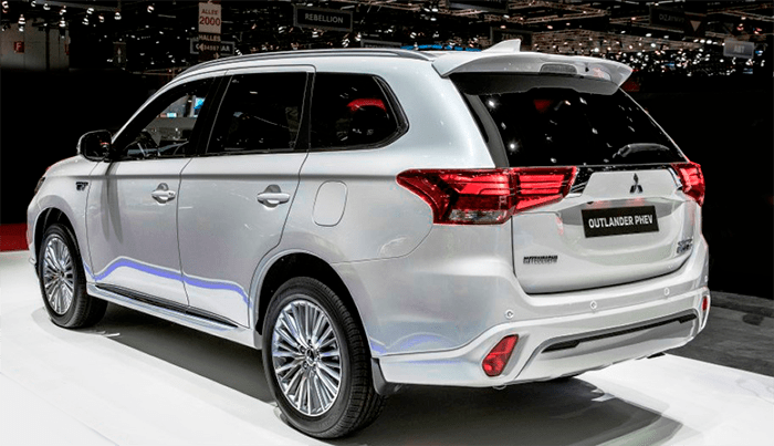 The 2020 Mitsubishi Outlander Phev Release Date And Price Mitsubishi Is Preparing To Release The Next Gen Of Outlander Phev After The Japanese Automaker Has J