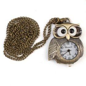 Collar de búho y reloj