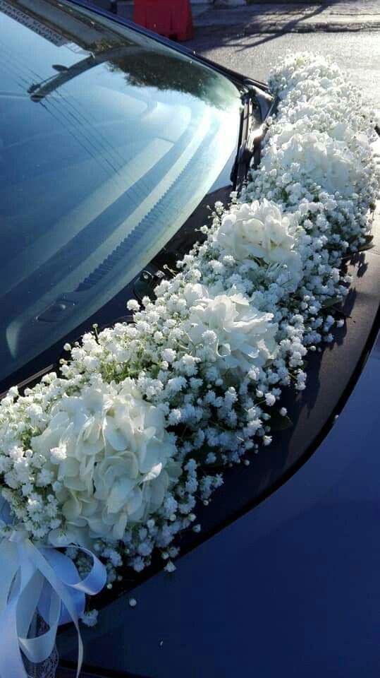 Car decoration with garlands of gypsophyll and hydrangea. #Wedding #Wedding