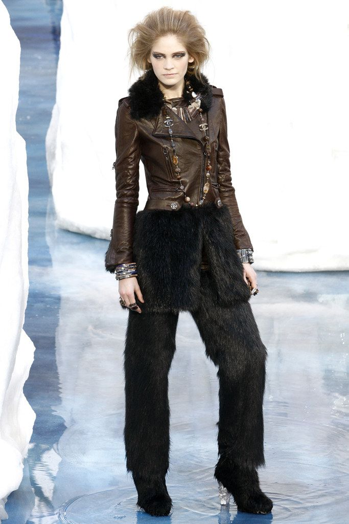 Chanel Fall 2010 Ready-to-Wear Collection Photos - Vogue