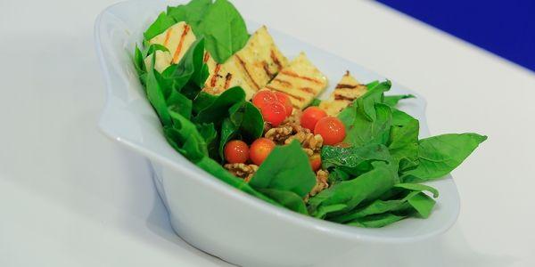 Cbc Sofra طريقة تحضير سلطة سبانخ بالجبنة الحلوم هشام السيد Recipe Green Beans Vegetables Food