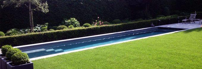 piscine coque de 13 m de long, 2,80 de large pour une profondeur de