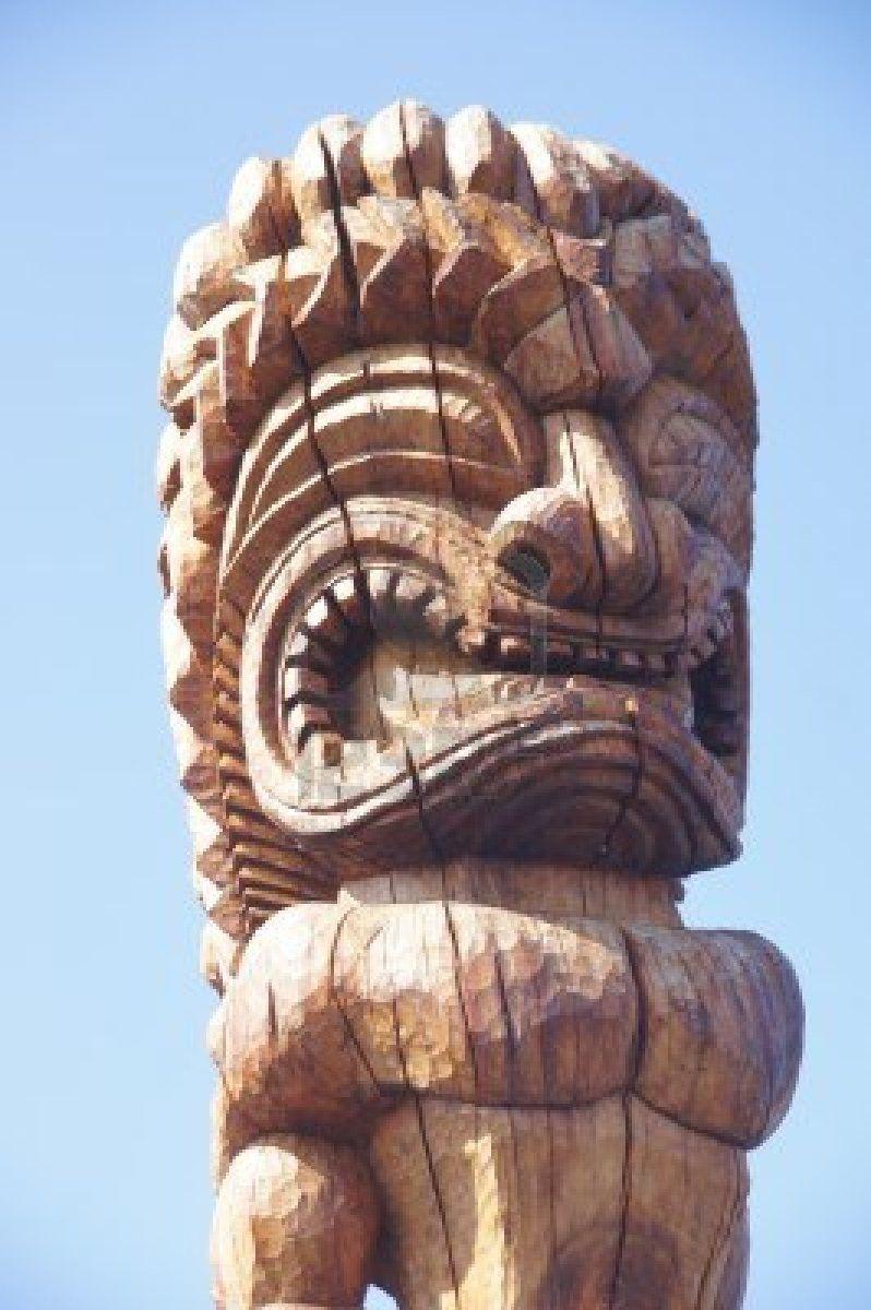 16510647-old-wooden-statue-of-a-hawaiian-godat-ke-eku-heiau--pre-christian-temple-near-kahalu-u-bay-hawaii.jpg (798×1200)
