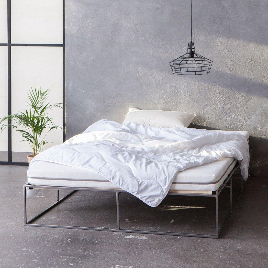 Metallbett stahlbett metal bed minimalistisch for Bett industriedesign