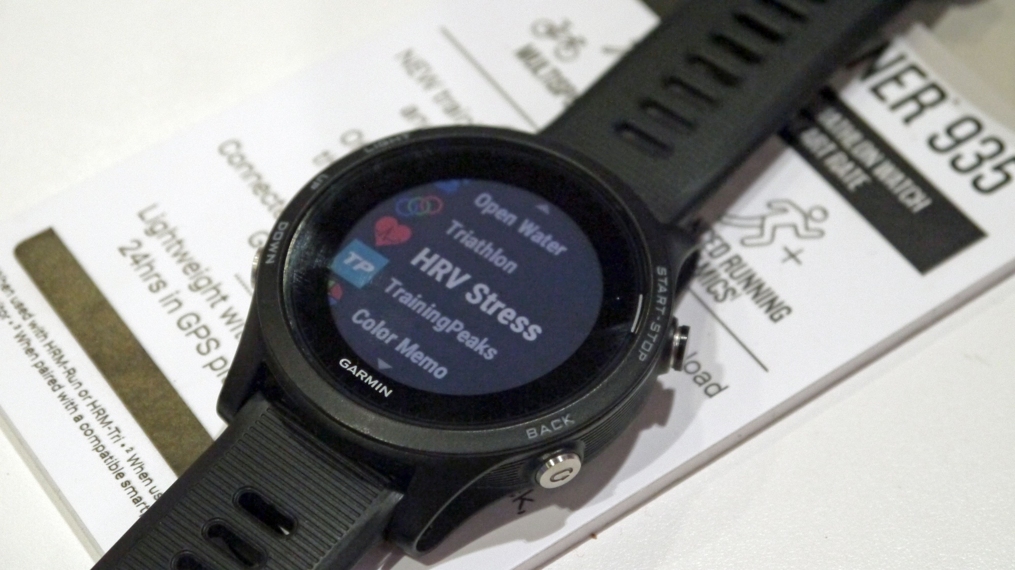 The Garmin 935 is something of a watch that straddles two worlds the insane power of the Fenix 5 and the sleek lines of the less ostentatio