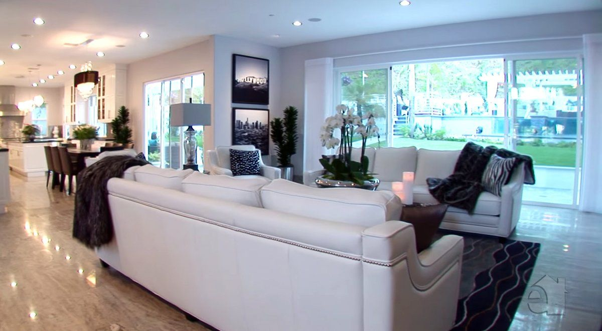Manny Pacquiao bought a Beverly Hills mansion for $12.5 million and ...