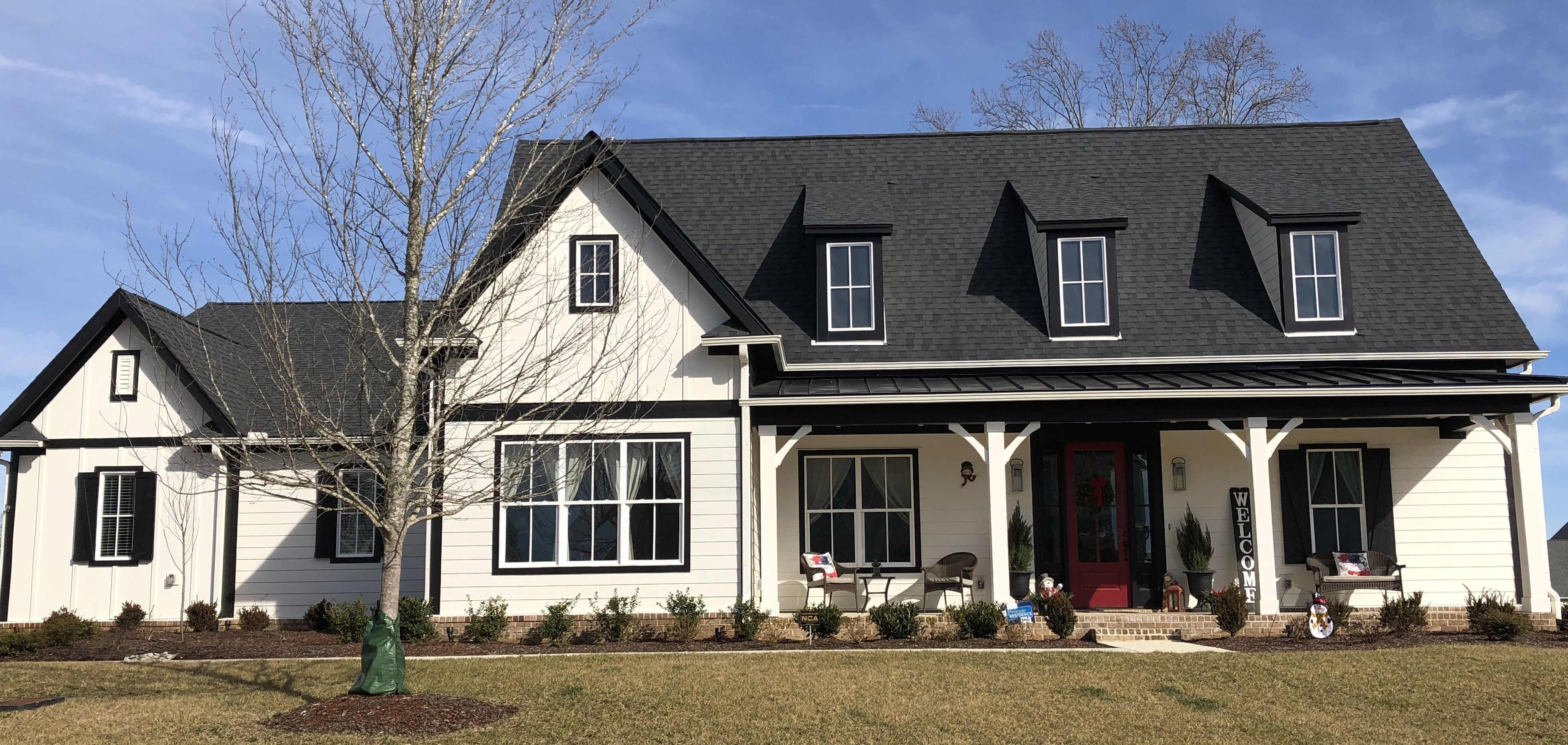 Alabaster Siding Farm Style House House Front Porch Metal Roof Houses