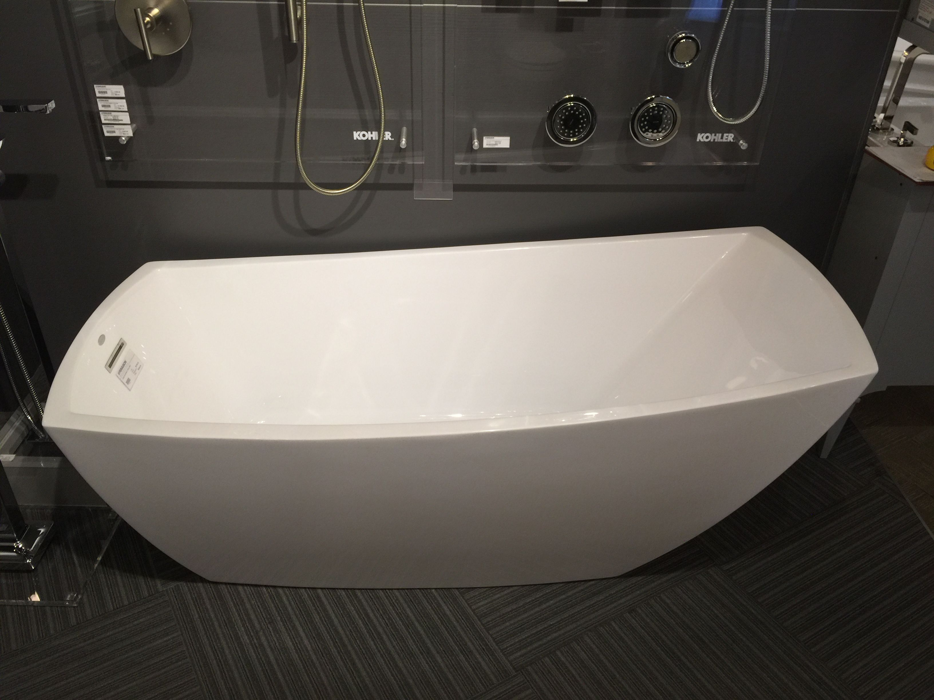 Most comfy tub ever! Jacuzzi brand, \