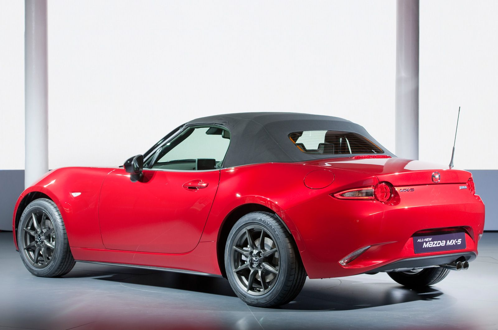 2015 Mazda MX5 Prices, pictures, engines and new Sport