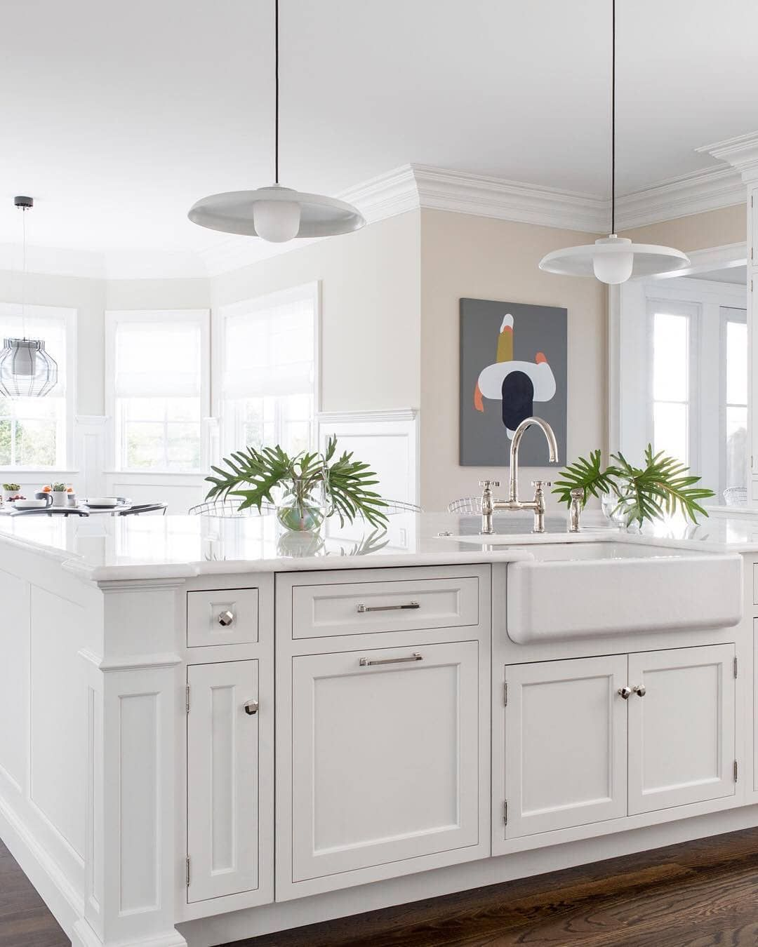 Best Traditional Meets Modern In This Bright White Kitchen By 640 x 480