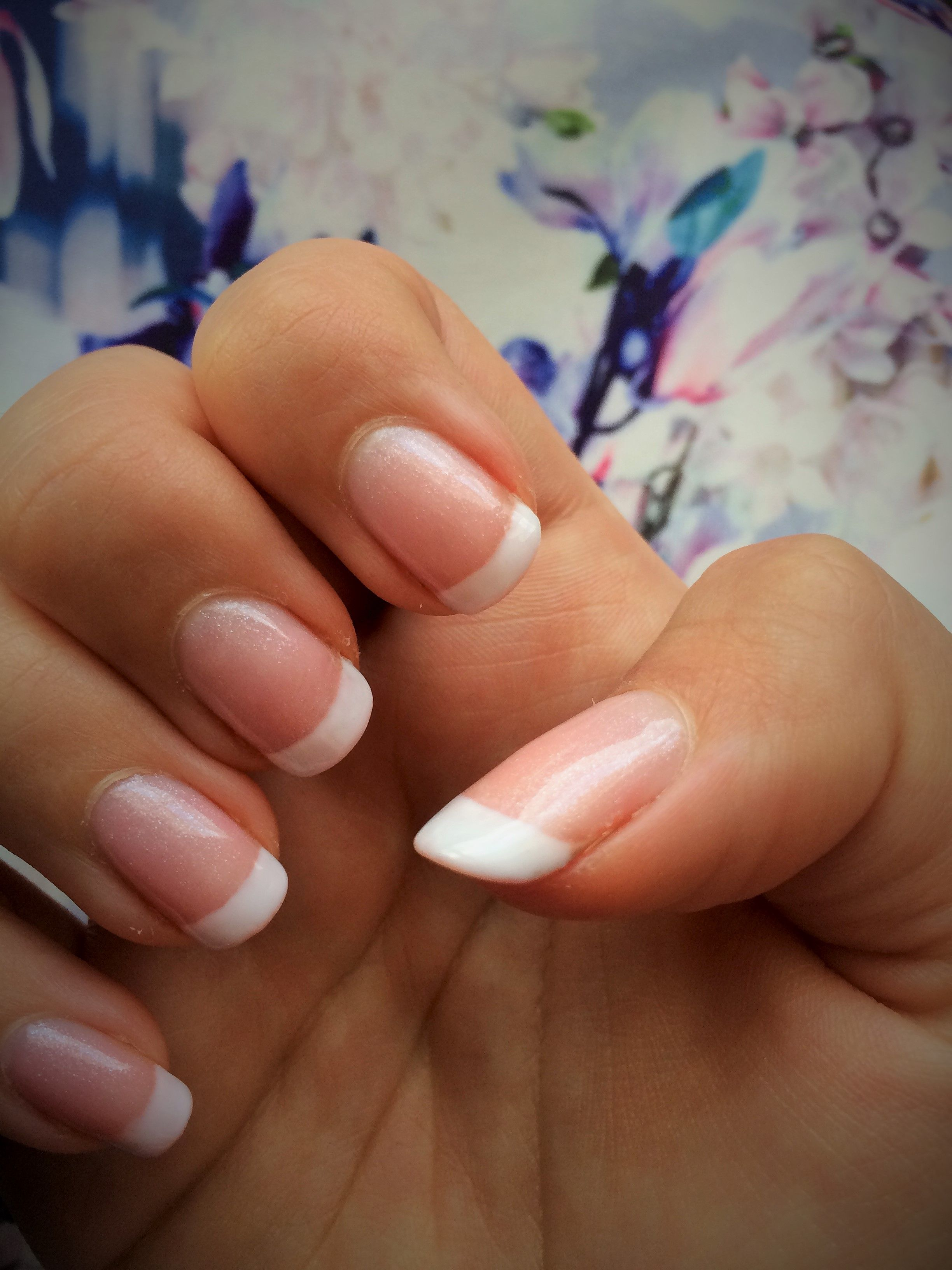 CND SHELLAC Grapefruit sparkle base studio white tip
