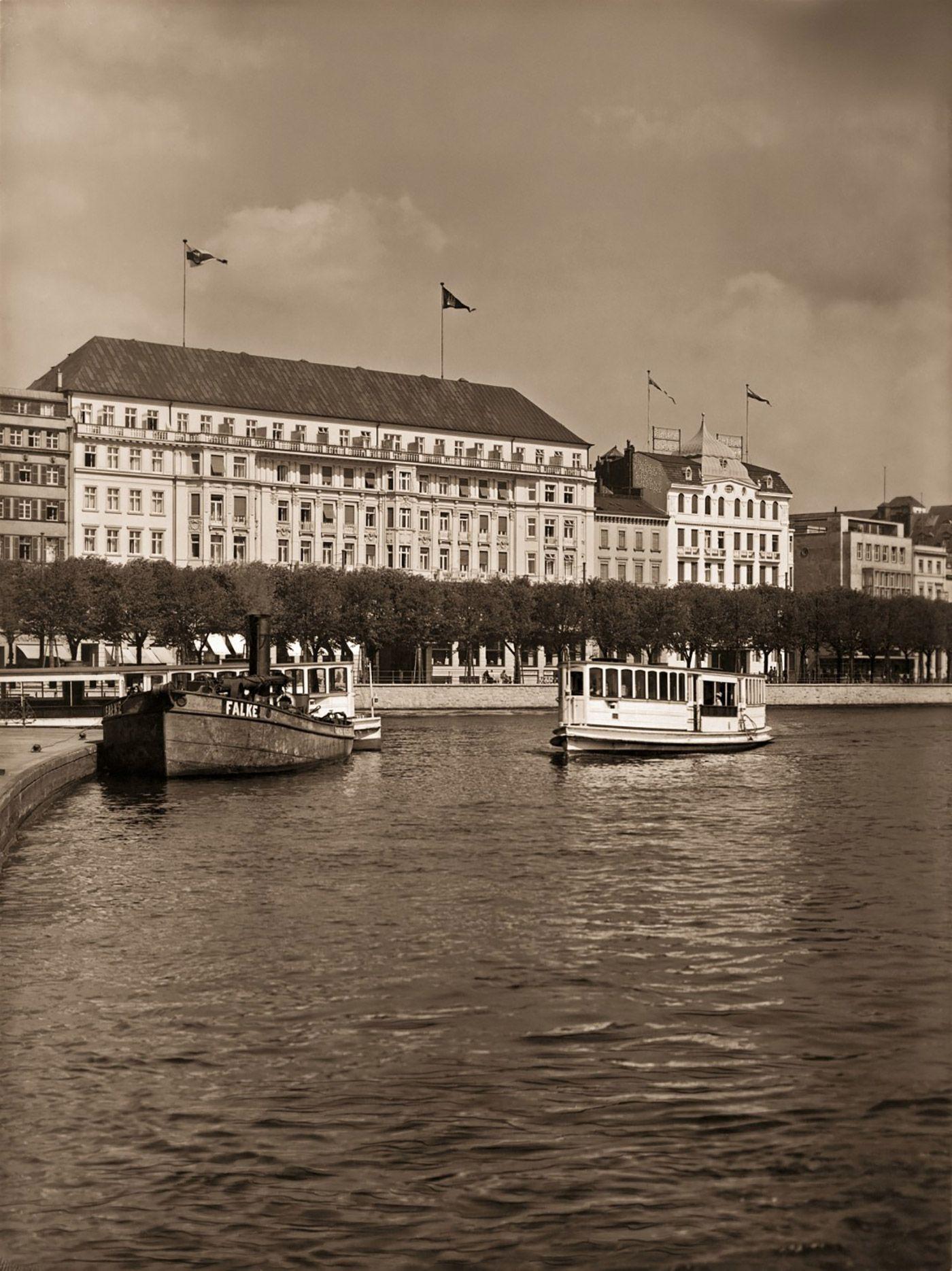 Fairmont Hotel Vier Jahreszeiten Hamburg View 1930 Wir