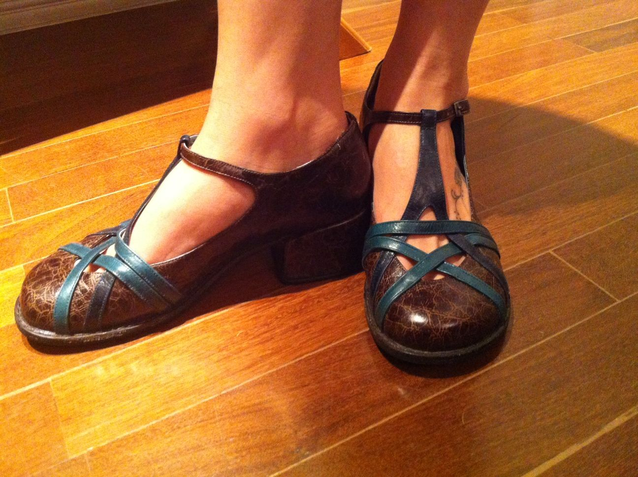 4f6752abaf Selo de Controle Sapatos, Sapatos Retros, Mary Janes, Botas E Sapatos,  Mulher