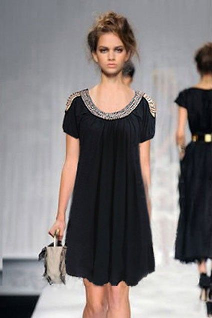 Dress crafted in cotton, featuring a beading detailed round neck, short sleeves, open shoulder design with beading detail, pleats to the main, chic and stylish.