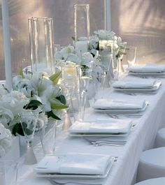 white on white table setting - Google Search | new N&B wedding ...