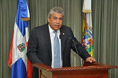 Carlos Castillo: Hay mucho temor entre los dominicanos tras medidas de Trump          NUEVA YORK.- El cónsul de República Dominicana en Nueva York afirmó que existe mucho temor entre los dominicanos residentes en dicho estado,