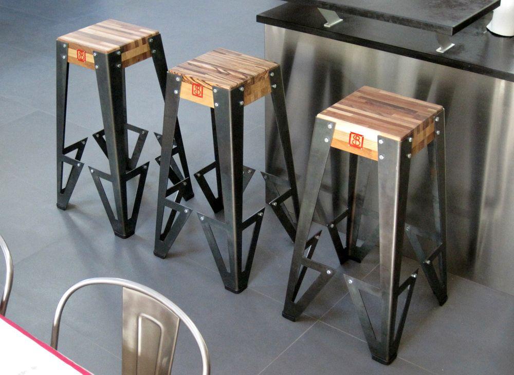 tabouret de bar design original indus 39 s rie de 3 vue en pied d coration pinterest. Black Bedroom Furniture Sets. Home Design Ideas