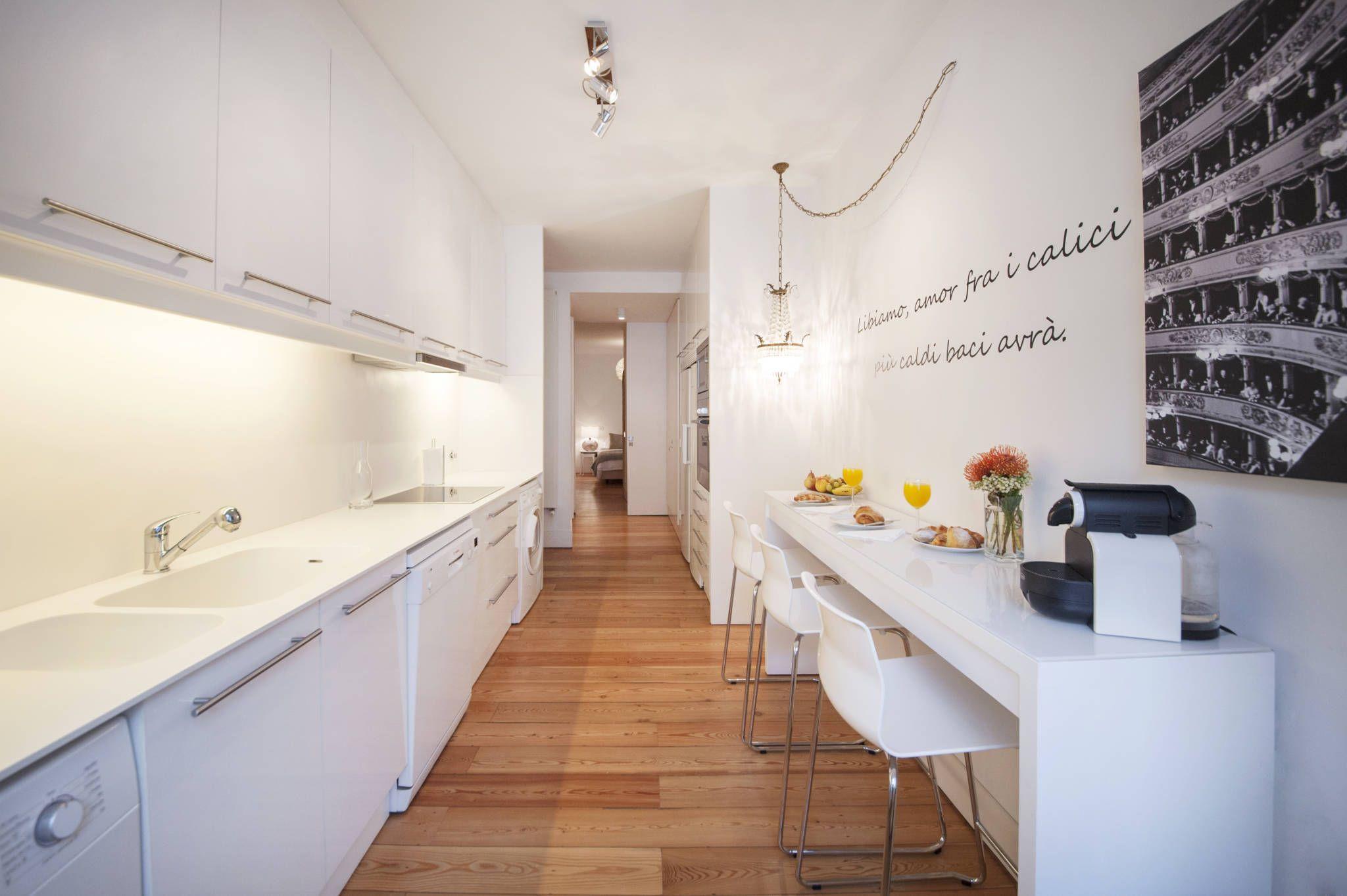 White Kitchen : Minimalistische Küchen Von Home Staging Factory