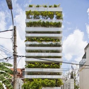 Inspirant! Aucun besoin de rideaux ^_^ - Stacking Green  by Vo Trong Nghia Architects
