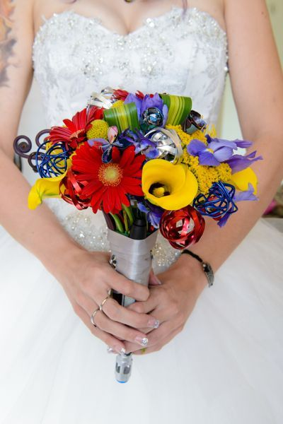 10th doctor sonic screwdriver bouquet bride vibrant colors nerd whovian wedding Photo credit: elegant images