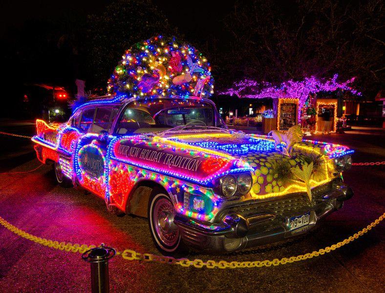 Christmas Car Http Www Maloychryslerdodgejeepram Com Index Htm Teens Christmas Christmas Car Decorations Christmas Car