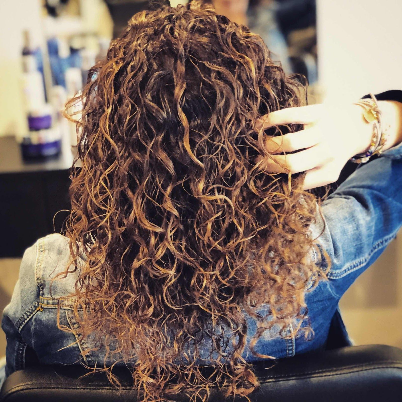 Everyday Larose 5 Hacks For Mastering Naturally Curly Hair That You Need To Try In 2020 Curly Hair Styles Naturally Curly Hair Tips Naturally Curly