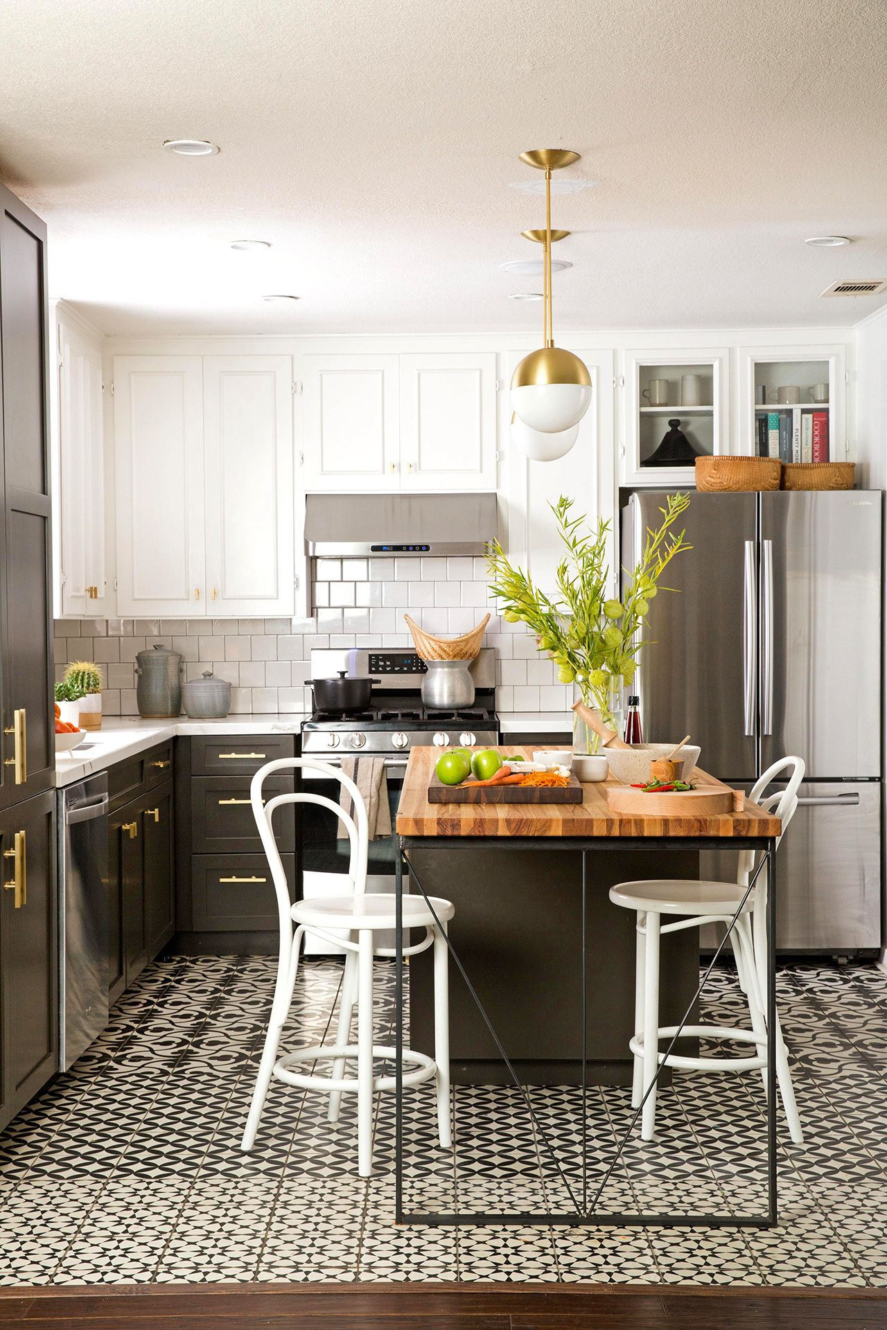 22 Kitchen Cabinetry Trends You Ll Love For Years To Come In 2020 Kitchen Cleaning Checklist House Cleaning Tips Clean Kitchen