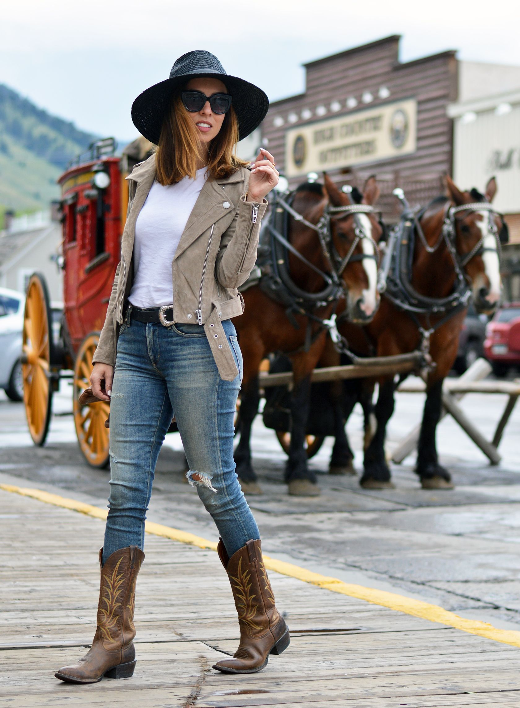 Are Cowboy Boots In Style Cowboy Boots From Day To Night Sydne Style Cowboy Boots Women Outfits Fall Western Boots Outfit Cowboy Boots Women Outfits [ 2284 x 1680 Pixel ]