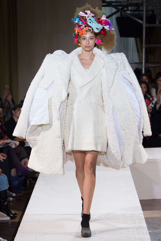 Comme des garçons spring readytowear fashion show collection