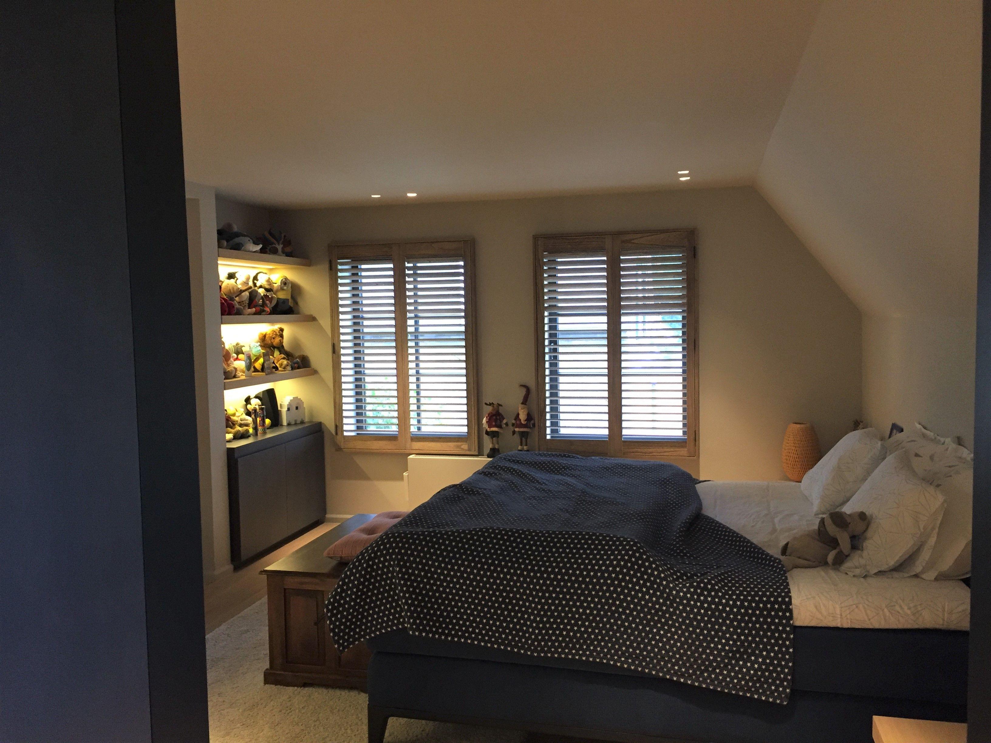 Prachtige houten shutters in beitskleur. Erg mooi voor op de ...