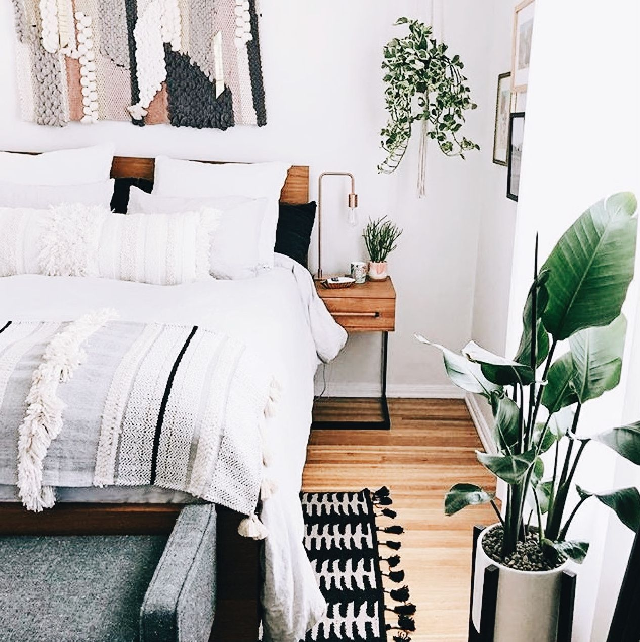 Master Bedroom Decor On A Budget Apartments Color Schemes